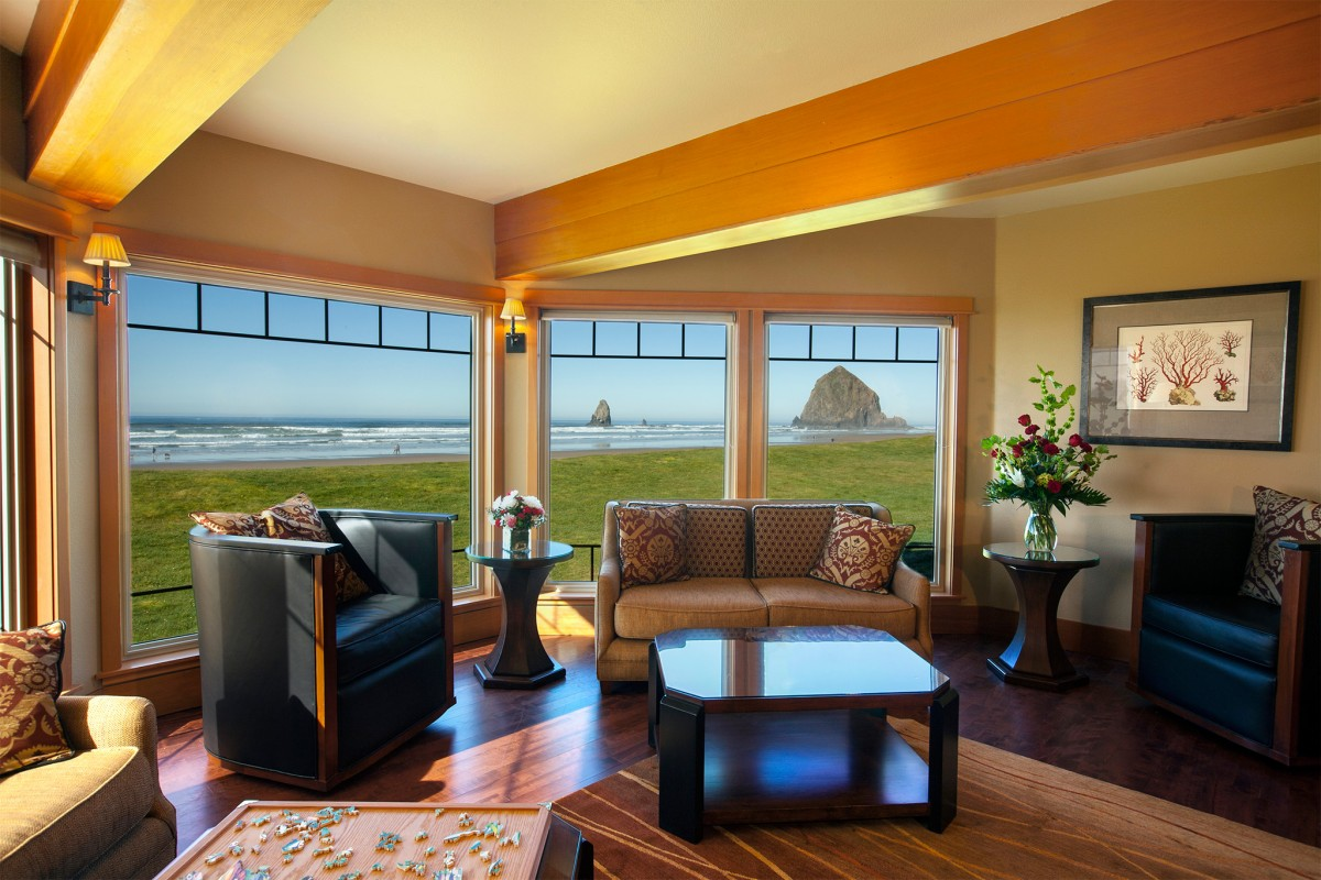Cannon-Beach-Guestrooms-Stephanie-Inn-hor086
