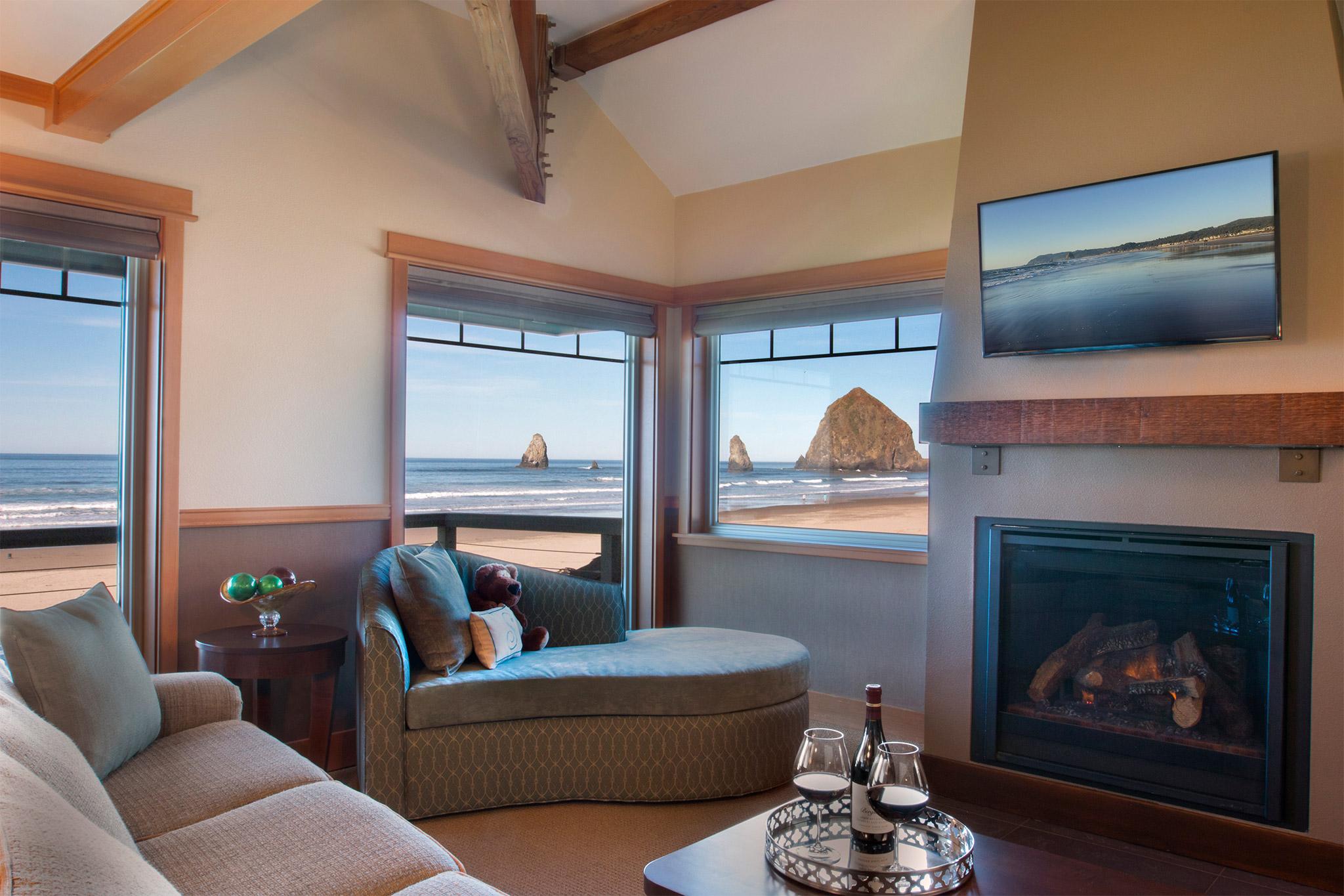 Oceanfront Corner Suite